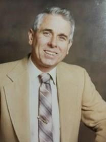 Stephen Felton McFarlane obituary photo