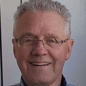 Roger E. Veilleux