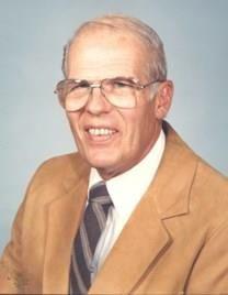Alexander Walter Huggins obituary photo