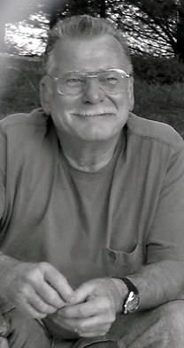 Elliott D. Metcalf obituary photo