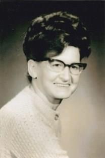 Shirley Geraldine Stewart obituary photo