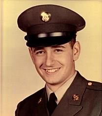 Robert D. Waggoner obituary photo
