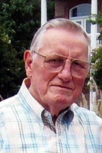Dennett Lee King obituary photo