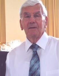 Charles H. Grimm obituary photo