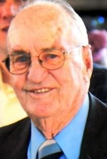 Robert W. Fertig obituary photo