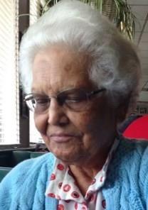 Helen Alice Mendes obituary photo