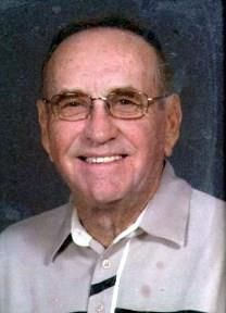 Charles Dee King obituary photo