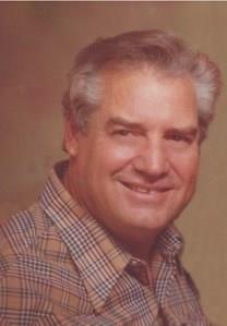 Robert A. Veach obituary photo