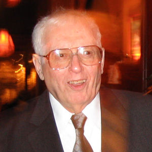 William W. Kahn Obituary Photo