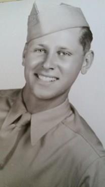 Robert Gordon Veith obituary photo