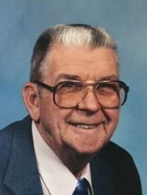 Hilmer August Holmes obituary photo