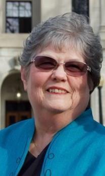 Phyllis Jean Holsclaw obituary photo