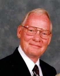 Robert E. Luckett obituary photo