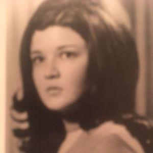 Mrs. Diana Metz