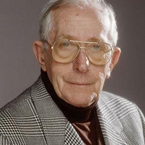 Lewis  Gilbert Obituary Photo