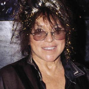 Mitzi Shore Obituary Photo