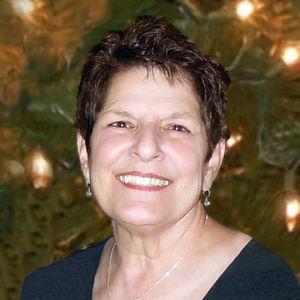 Gloria Marie Carey Obituary Photo