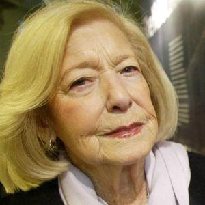 Gena Turgel Obituary Photo