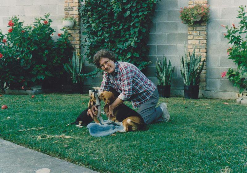 Muriel jones obituary houston texas st bernard funeral home for St bernard memorial gardens obituaries