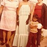 Mami Chenta en El Salvador con Ivonne,Nena & Arturio