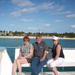 Liz w/brother Jim and Kelly in Bahamas