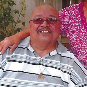 Salvador  R Banuelos