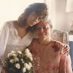 CINDY & MOM 1987