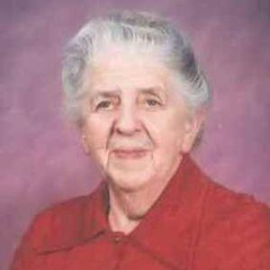 Doris (nee Thompson) Holmes Obituary Photo
