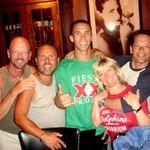 John, Rigo, Kevin, Janelle & Gui @ Bar Louie 05.06.11