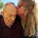 Patsy kissing Papa