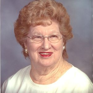 Mrs. Lois Davis Hamlet Obituary Photo