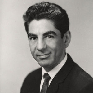 Dr. Jesse Steinfeld Obituary Photo