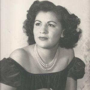 Elvira Flores