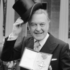 Donald Sinden Obituary Photo