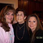 Curtney, Grandma and Teresa Christmas 08