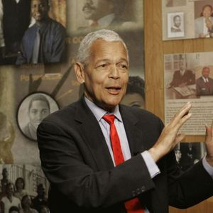Julian Bond Obituary Photo