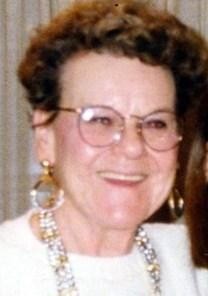 Mae Richburg obituary photo