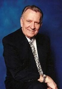 Bayard Eugene Holmes obituary photo