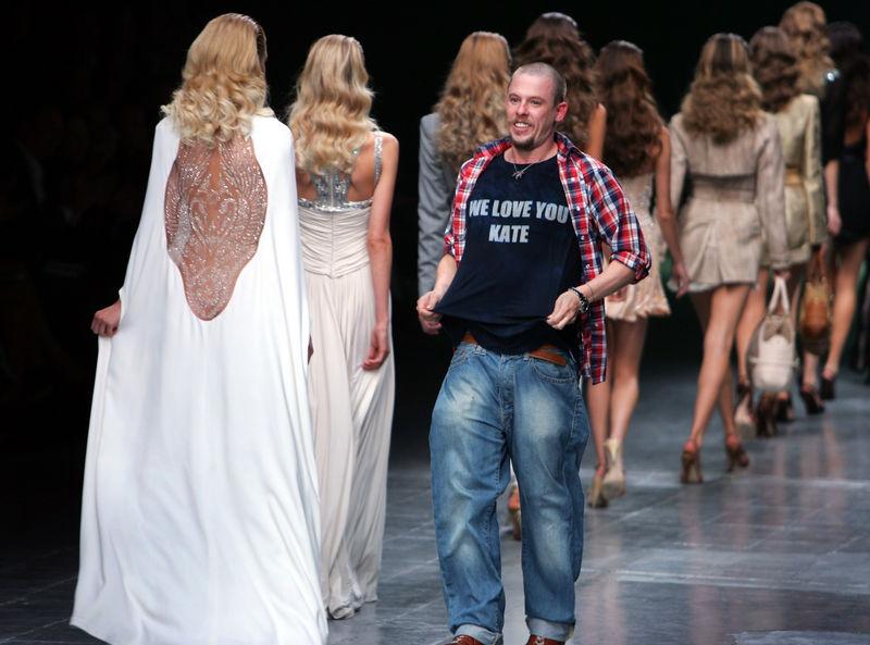 Alexander Mcqueen Wikipedia Fashion Designer