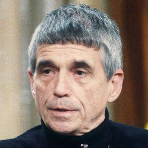 Daniel Berrigan Obituary Photo