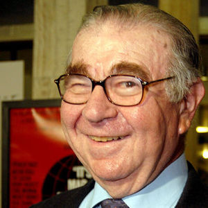 "Marvin Kaplan, a prolific comedy character actor who played the diner patron Henry the telephone repairer on the sitcom ""Alice,"" died Aug. 25, 2016, according to multiple news sources. He was 89."