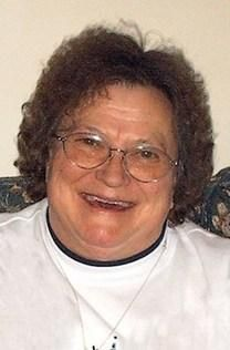 Lola E. Simmons obituary photo