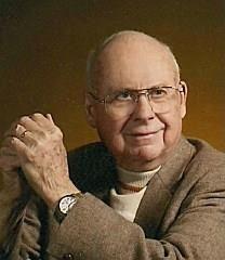 Charles E. Warren obituary photo