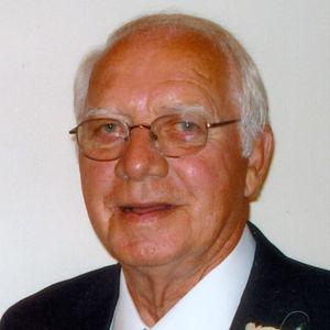"""Donald  R. """"Don"""" Hanauska Obituary Photo"""