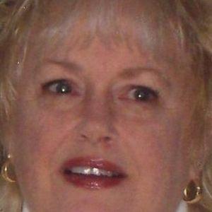 Linda D Salmon