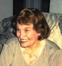 Eveline Joan Mackenzie obituary photo
