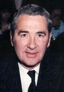 Robert Wesley Colldeweih obituary photo