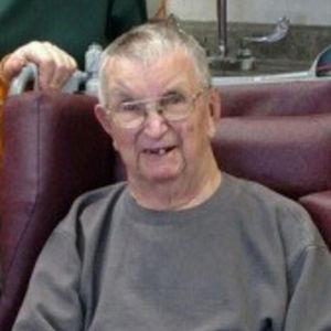 """Merlyn """"Merle"""" W.  Gritzmacher Obituary Photo"""