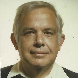 Robert E. Detlefsen