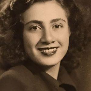 Maryam Davoodi Obituary Photo